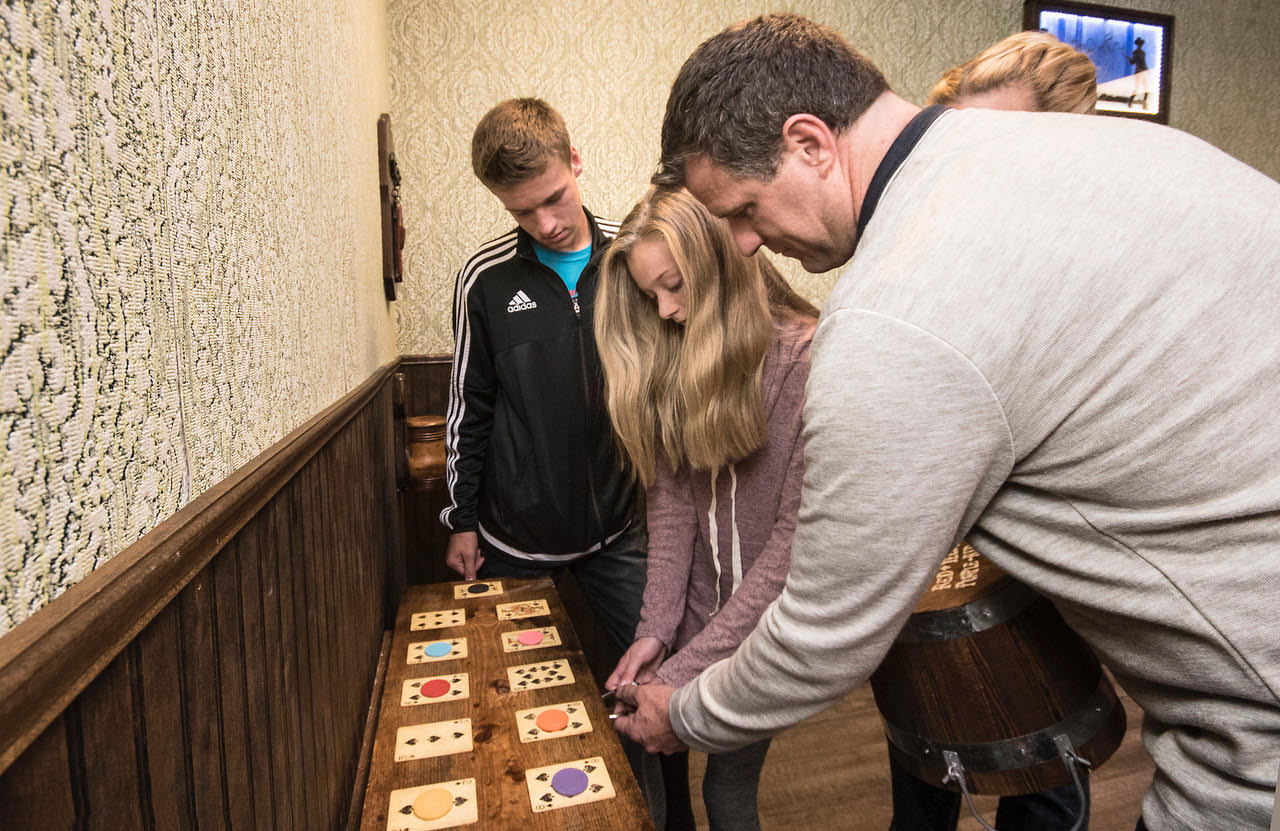 bringing children to an escape room