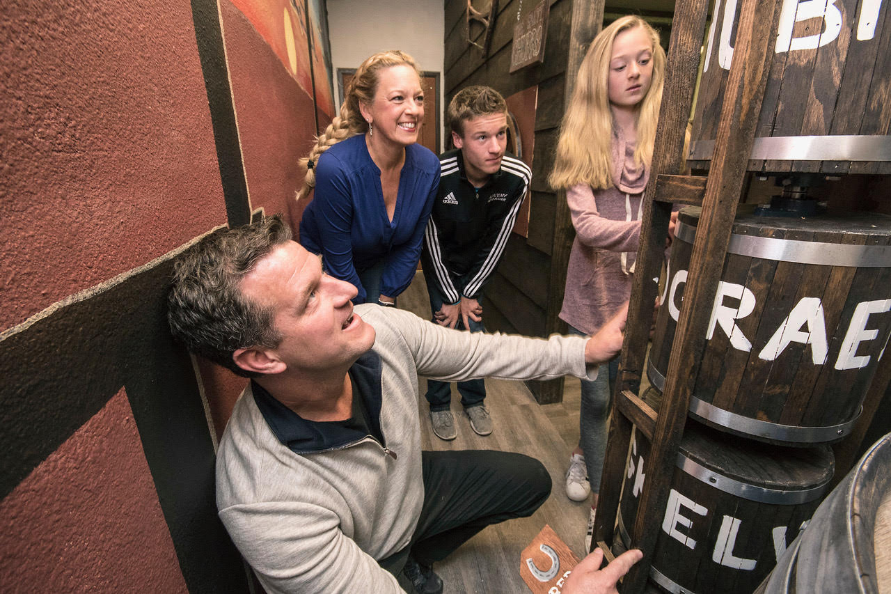 bringing kids to an escape room